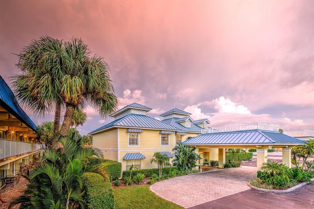 Naples Garden Inn in Naples, FL